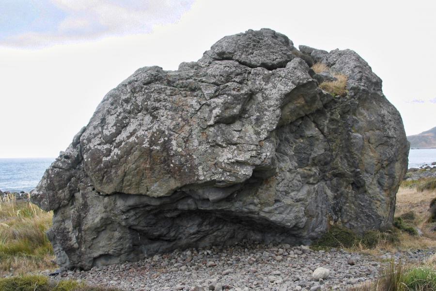 Wavelength Boulder | ClimbNZ |...